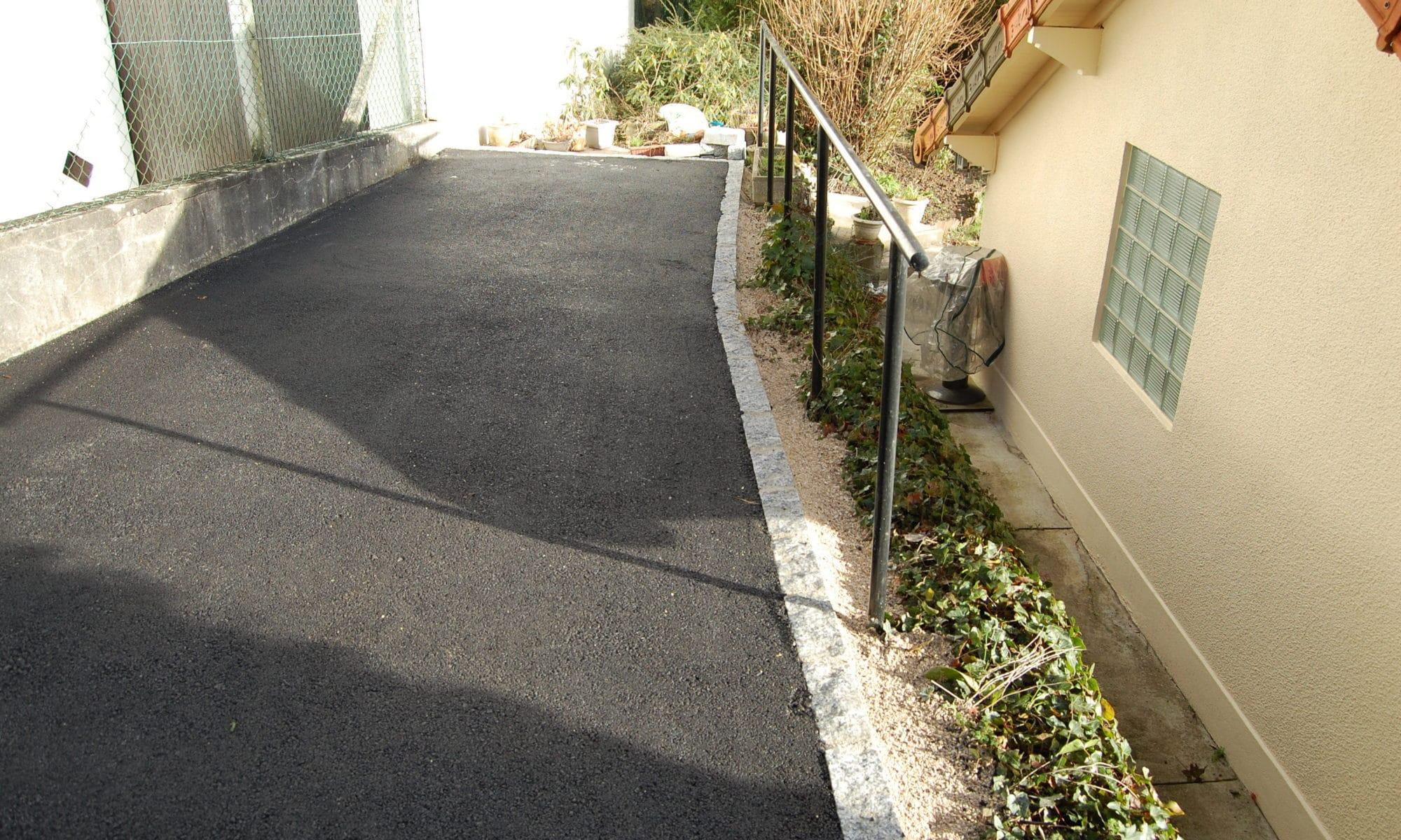 terrassement avec goudron en essonne goudron noir pavé ©TP Pires